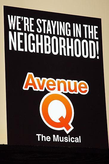 Avenue Q Final Broadway – sign
