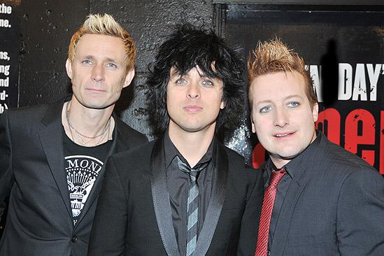 American Idiot Opening – Mike Dirnt – Billie Joe Armstrong – Tre Cool - 1