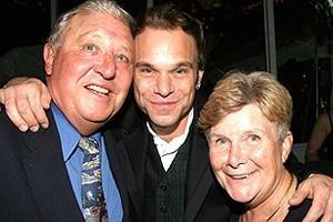 Wicked Opening - dad Norbert - Norbert Leo Butz - mom Dolly