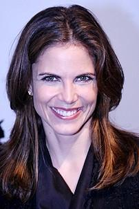 Photo Op - Mary Poppins Opening - Natalie Morales