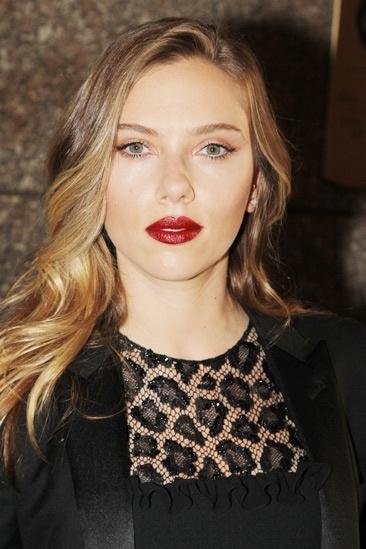 Tony Red Carpet- Scarlett Johansson