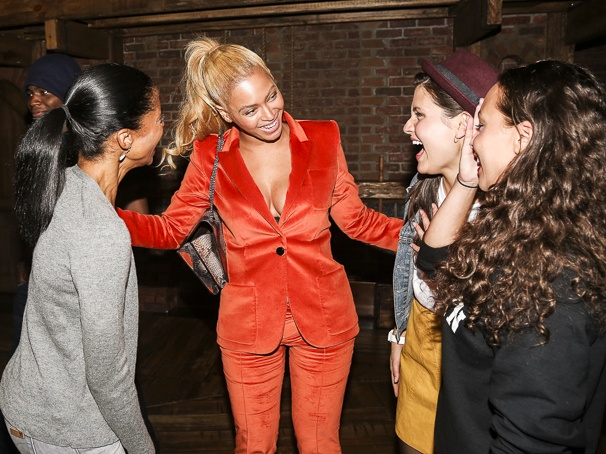 Hamilton - Backstage - 10/15 - Renee Elise Goldsberry, Beyonce - Phillipa Soo - Jasmine Cephas Jones