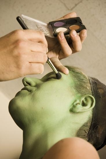 Nicole Parker Backstage at Wicked – eyes1
