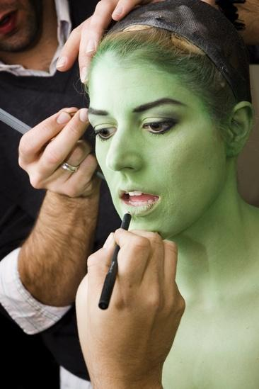 Nicole Parker Backstage at Wicked – full face2