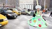 Priscilla Star Cupcake Delivery – Thom Allison (traffic)