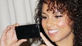 <i>Stick Fly</i> Poster Signing – Alicia Keys