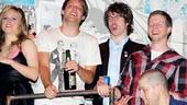Idiot final – Theo Stockman – John Gallagher Jr. – Stark Sands