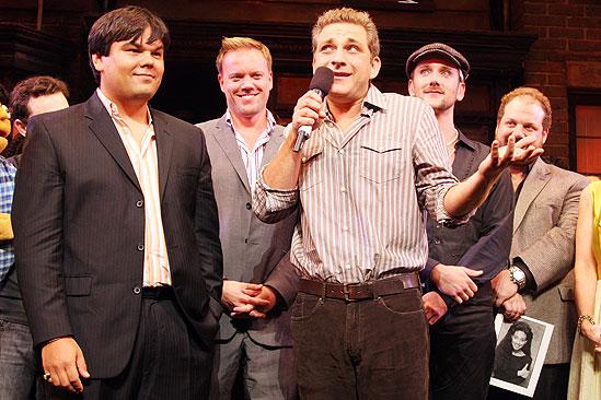 Avenue Q Final Broadway – Robert Lopez – Jeff Marx (curtain call)