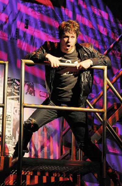 Show Photos - American Idiot - John Gallagher Jr. (2)