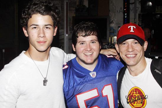 Jonas Idiot – Nick Jonas – Brian Charles Johnson – Miguel Cervantes