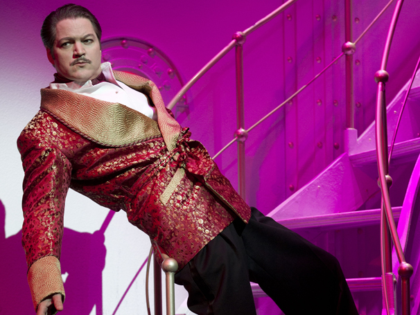 Show Photos - Anything Goes - Robert Petkoff