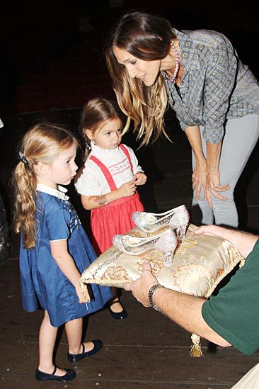 Sarah Jessica Parker and daughters at Cinderella – Sarah Jessica Parker – Loretta Broderick – Tabitha Broderick