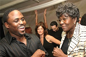 Wayne Brady in Chicago - Wayne Brady - mom Valerie Peterson