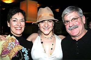 Wicked cast farewells 2006 - Shoshana Bean - with parents