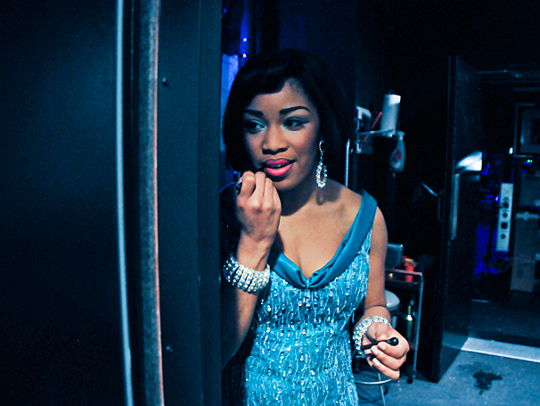 Beautiful - Backstage Photos - 4/14 - Rashidra Scott