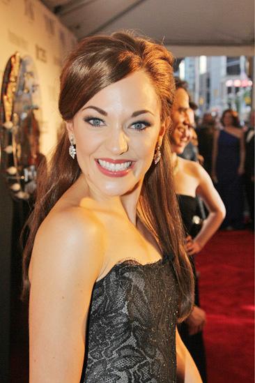 Tony Red Carpet- Laura Osnes