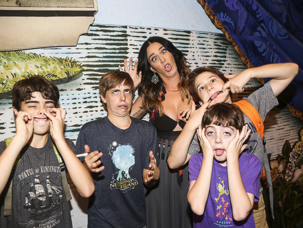 Finding Neverland - Backstage - 8/15 - Katy Perry