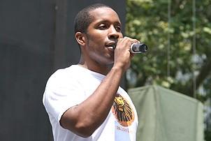 Photo Op - Broadway in Bryant Park 07-26-07 - Cornelius Jones Jr.