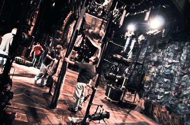 Starcatcher-Backstage-Crew