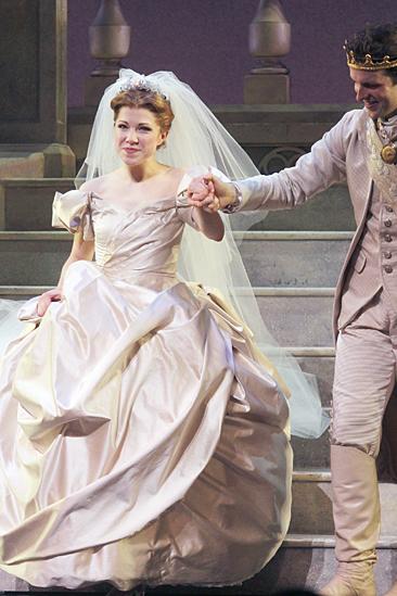 Cinderella - Carly Rae Jespson Debut - Carly Rae Jepsen