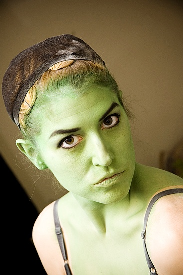 Nicole Parker Backstage at Wicked – full face
