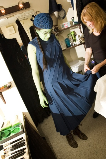 Nicole Parker Backstage at Wicked – dressing2