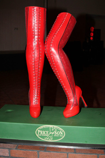 Kinky Boots Opening- Boots