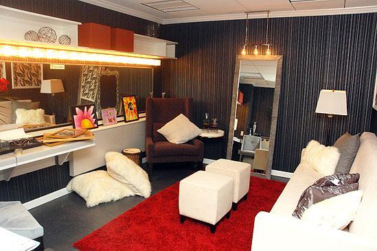Broadway Com Photo 13 Of 15 Room With A View Birdie S John Rh Dressing Door Star Sign