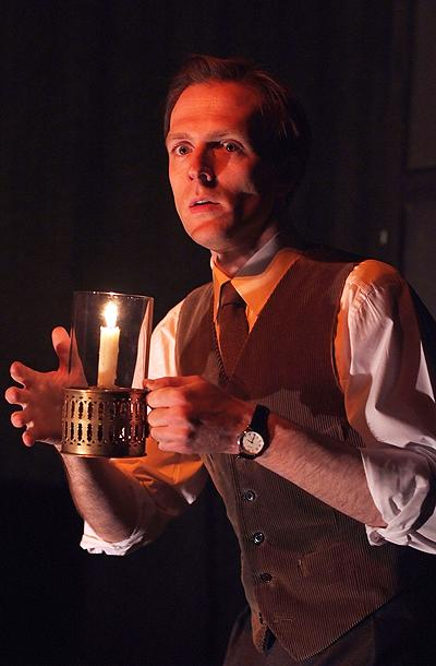 Show Photos - The Woman in Black - Christopher Naylor