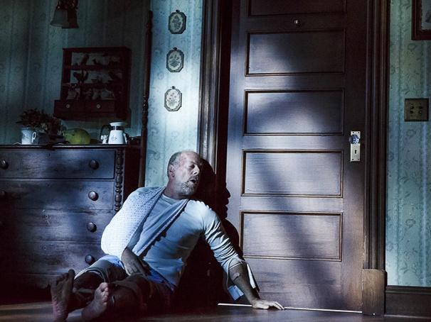 Show Photos - Misery - 10/15 - Bruce Willis