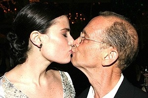Wicked Opening - Idina Menzel - Joel Grey (kiss)