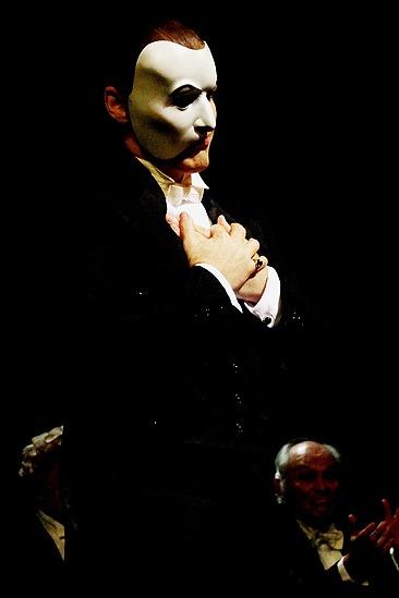 Hugh Panaro Returns to Phantom – Hugh Panaro (heart)