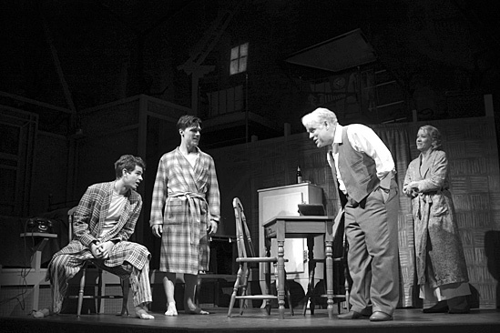Death of a Salesman - Linda Emond, Philip Seymour Hoffman,  Andrew Garfield and Finn Wittrock