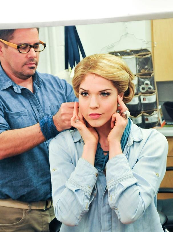 Beautiful - Backstage Photos - 4/14 - Sara King