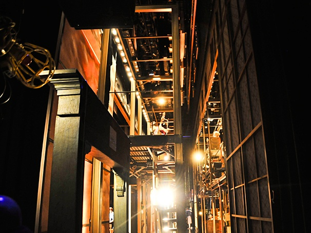 Beautiful - Backstage Photos - 4/14 - set