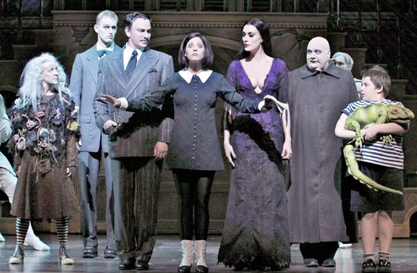 Show Photos - The Addams Family - cast
