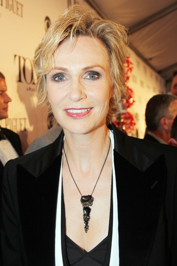 Tony Red Carpet- Jane Lynch