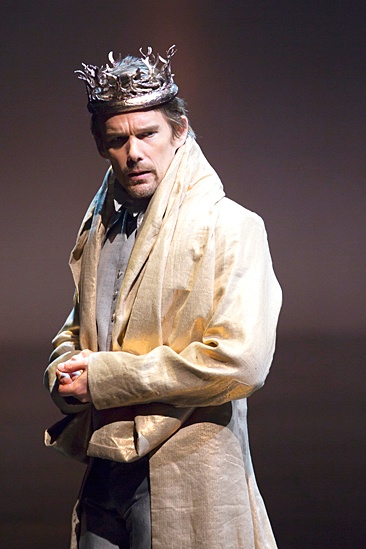 <I>Macbeth</I>: Show Photos - Ethan Hawke