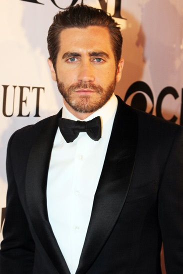 Tony Red Carpet- Jake Gyllenhaal