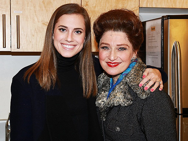 Beautiful - Backstage - 1/15 - Allison Williams - Liz Larsen
