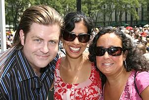 Photo Op - Broadway in Bryant Park 07-26-07 - Paul Wontorek - Julie Ronning - Josefa Paganuzzi