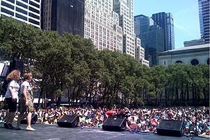 Photo Op - Broadway in Bryant Park 07-26-07 - Jackie Hoffman - Mary Testa (long shot)