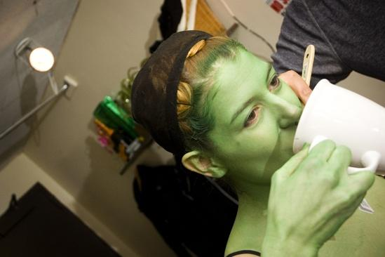 Nicole Parker Backstage at Wicked – tea