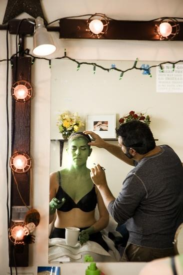 Nicole Parker Backstage at Wicked – eyes5