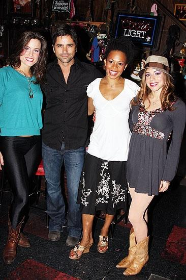 Broadwaycom Photo 3 Of 8 Rock Of Ages Welcomes Broadway Bound