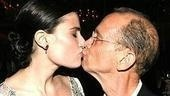 Wicked Opening - Idina Menzel - Joel Grey (kiss)