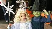 Photo Op - Wicked Day 2006 - Wee Glinda and Elphaba