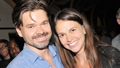 Violet- Hunter Foster- Sutton Foster