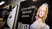 Wicked Grand Central – glinda