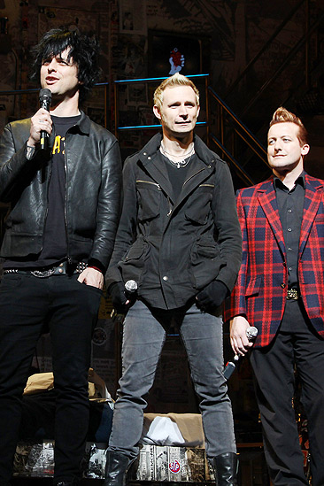 American Idiot Sound Check - Billie Joe Armstrong - Mike DIrnt - Tre Cool
